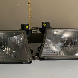 2002 4Runner Head Lights With LED lights for Sale in San Diego, CA