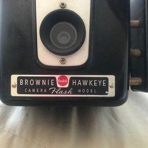Brownie hawkeye vintage camera for Sale in Los Angeles, CA