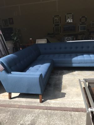 MID CENTURY MODERN SOFA!! BRAND NEW!! WHOLESALE PRICED!!! for Sale in Woodinville, WA