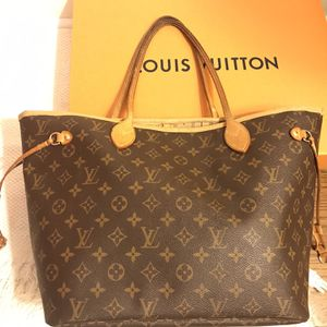 Authentic Louis Vuitton Neverfull MM Monogram for Sale in Mill Valley, CA