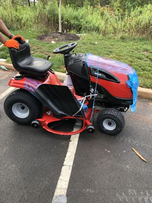 "Lawn tractor Jonsered 960430197 46"" 22HP Garden Tractor for Sale in Plainfield, NJ"