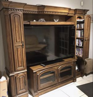 Wooden Entertainment Wall Unit for Sale in Miami, FL
