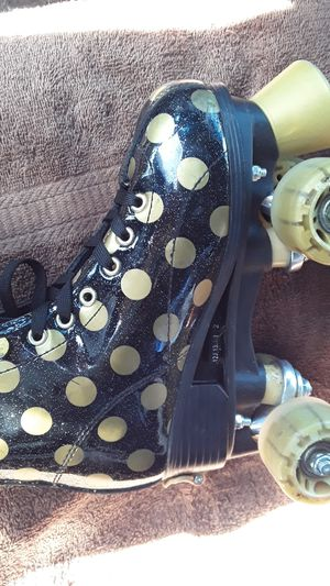 Skaters roller derby Second hand size 12 to 2 lol schatches for Sale in Hayward, CA