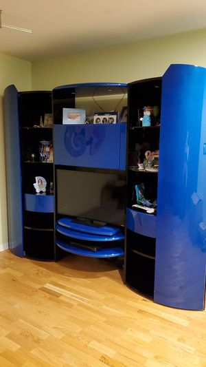 Italin Entertainment center with TV stand for Sale in Buffalo Grove, IL