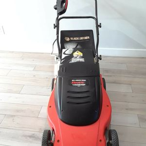 Black And Decker Electric Lawn Mower Corded for Sale in Phoenix, AZ