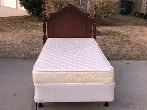 Twin bed with Everything included. Excellent condition. Will deliver. Hablar espanol for Sale in Raleigh, NC
