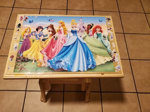 Princess bench and table for Sale in Perris, CA