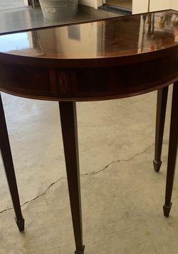 VINTAGE SIDE TABLE for Sale in Sacramento,  CA