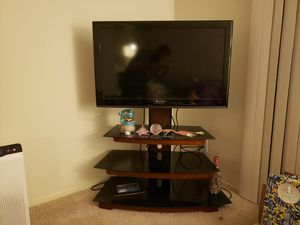 40 in. TV & adjustable TV Stand for Sale in Dallas, TX
