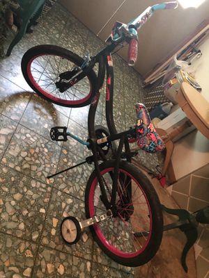 Girls monster high bike for Sale in Leland Grove, IL