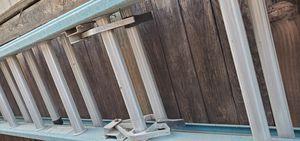 Escalera de 12 pies for Sale in Fontana, CA