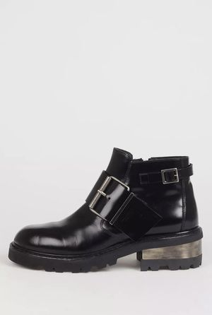MAISON MARGIELLA MENS LEATHER TRUNK BIKER BOOTS for Sale in Hayward, CA