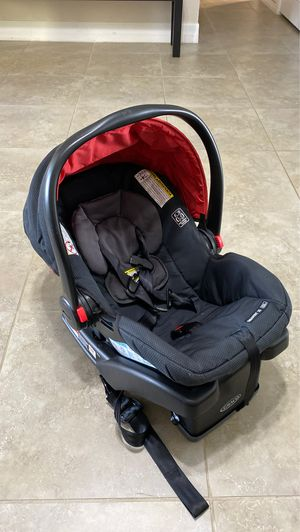 Graco infant car seat for Sale in Palm Bay, FL