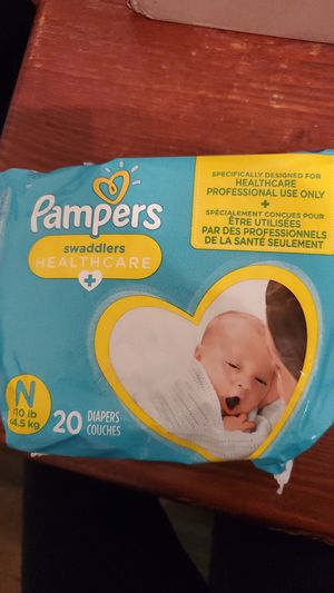 New bag of Pampers new born for Sale in Lincoln Acres, CA