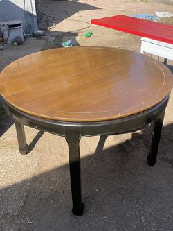 Home Office Round Kitchen Dining Room Table for Sale in Glendora,  CA