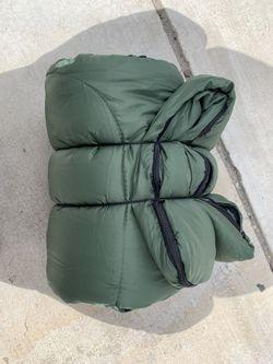 Sleeping bag for Sale in Apple Valley,  CA