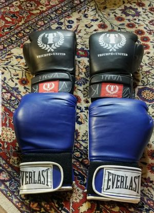 Lot of 2 Training Gloves Triumph United & Everlast for Sale in New York, NY