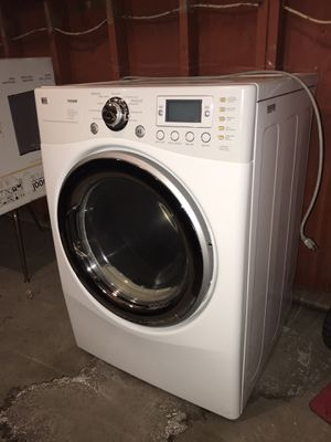 LG clothes dryer for Sale in Sioux City, IA
