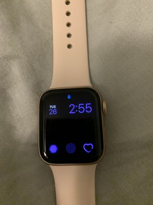 Series 5 Apple Watch for Sale in Chesterfield, VA