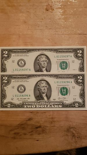 2$ BILLS SEQUENTIAL ORDER CRISP UNCIRCULATED for Sale in Victorville, CA