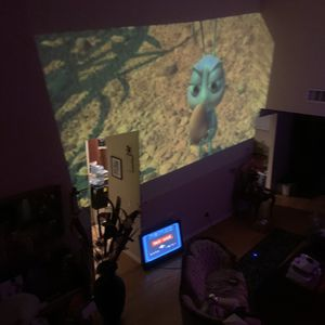 Epson 3LCD Hdmi Short Throw Projector (Awesome Picture Quality !) for Sale in Fontana, CA