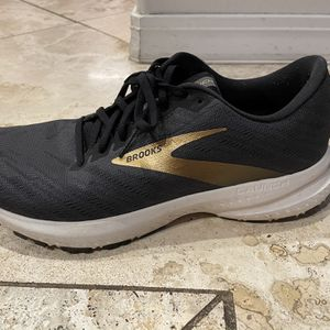 Brooks running shoes for Sale in Redmond, OR