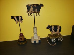 3 cow figures figurines home decor for Sale in Galloway, NJ