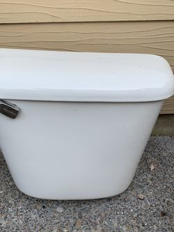 toilet reservoir Works great for Sale in Salem,  OR