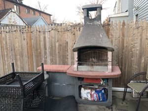 Sunday grill charcoal bbq for Sale in Queens, NY