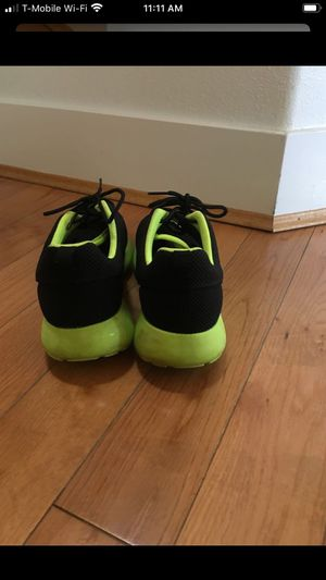 Boys Nike shoes used couple of time looks like brand new size 7 for Sale in SEATTLE, WA