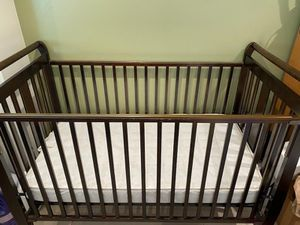 Crib with mattress for Sale in Long Beach, CA