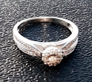1 KARAT WEDDING RING for Sale in Columbia, TN