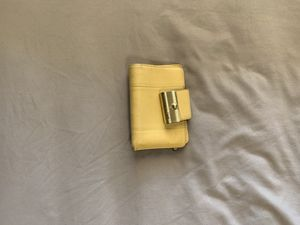 Coach yellow leather wallet for Sale in Henderson, NV