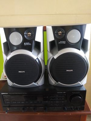 KENWOOD AUDIO AND VIDEO RECEIVER WITH TWO SPEAKERS for Sale in Orlando, FL