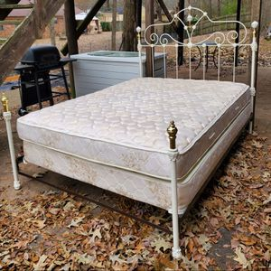 Nice iron Queen bed complete REDUCED FIRM $325 for Sale in Memphis, TN