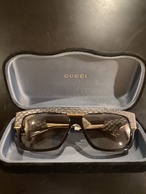Gucci 60mm Snakeskin Print Rectangle Sunglasses for Sale in Glendale, CA