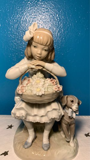 Lladro Girl Sitting with Dog flora basket Porcelain Figurine for Sale in Miami, FL
