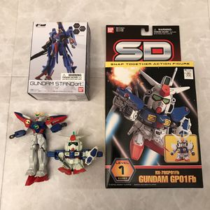 Robot toys figure figurines standart is new for Sale in Burtonsville, MD