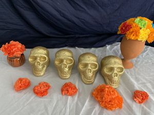 4 Gold skulls only for Sale in San Jacinto, CA