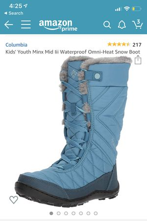 Like new used one time. Kids COLUMBIAwaterproof snow boots. Size 6. for Sale in Buffalo Grove, IL
