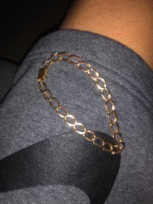 Gold bracelet for Sale in Grand Prairie, TX