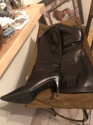 Gucci ranch the kid boots size 39.5 black for Sale in Miami Beach, FL