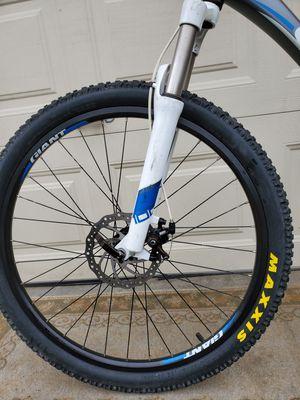 Giant Revel 1 Hardtail Mountain bike 26'Adult /Bicicleta de Montaña Giant Revel 1 for Sale in Montclair, CA