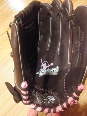 Rawlings fast pitch softball glove for Sale in Lake Forest Park, WA