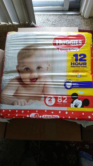 Huggies snug and dry for Sale in Tucson, AZ
