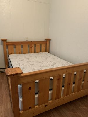 Queen bed frame, mattress and box spring for Sale in Mount Vernon, WA