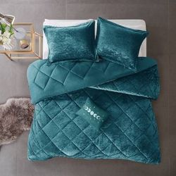 Full/Queen Alyssa Velvet Comforter Set Teal for Sale in Brooklyn,  NY