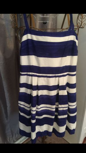 Ann Taylor blue& white striped chic designer very classy short dress pleated bottom zip back size 4 for Sale in Northfield, OH