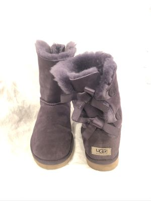 UGG Bailey Bow Tie Boots Booties Sz 8 Purple In Excellent Used Condition for Sale in Naples, FL