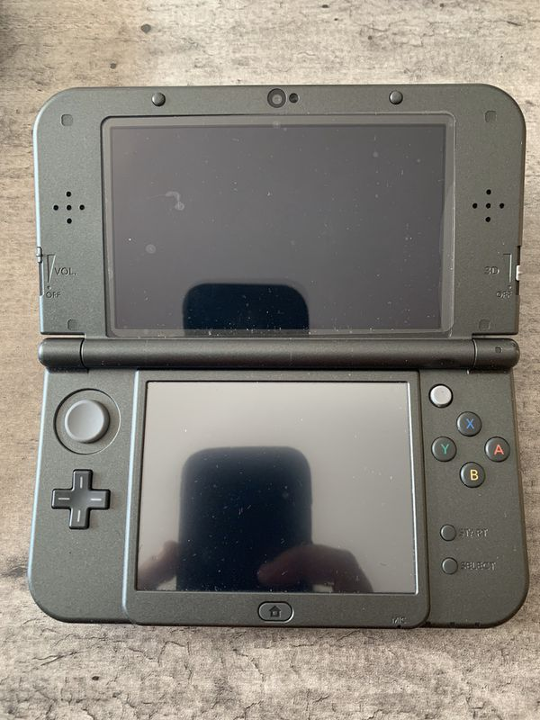Nintendo 3DSxl with lots of games